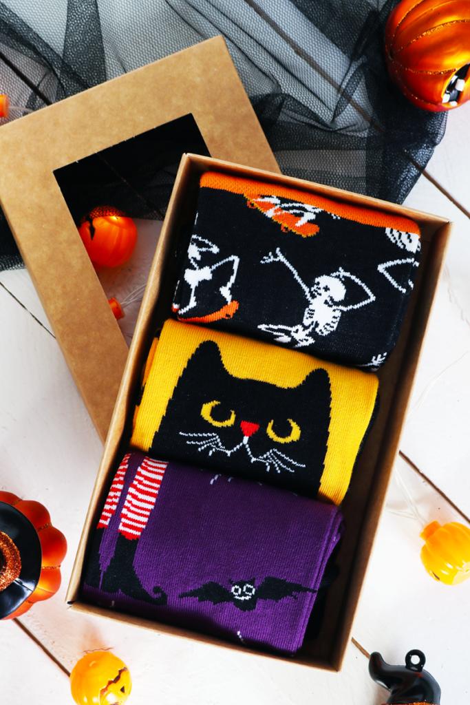 EVIL CAT halloweeni kinkekarp 3 sokipaariga