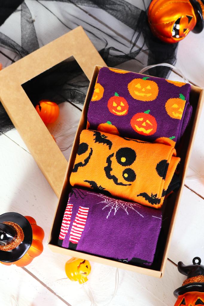 PUMPKIN FACE halloweeni kinkekarp 3 sokipaariga