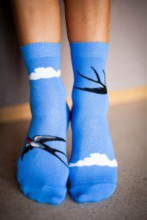 Женские носки голубого цвета с изображением ласточек BIRD FLY | Sokisahtel