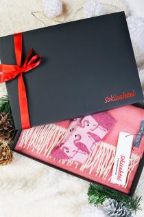 Alpakavillase kahepoolse roosa salli ja MIAMI sokkidega kinkekarp | Sokisahtel