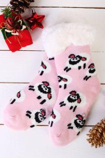 Теплые домашние носки светло-розового цвета с нескользящей подошвой и узором в виде овечек NIILO | Sokisahtel