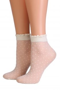 PUNTINA creamy white sheer socks | Sokisahtel