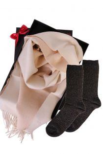 Kahepoolse alpakavillast salli ja GOLD sokkidega kinkekarp naistele | Sokisahtel