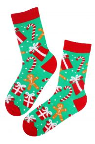 Хлопковые носки зеленого цвета в рождественской тематике с пряничными человечками для мужчин и женщин MANDY | Sokisahtel