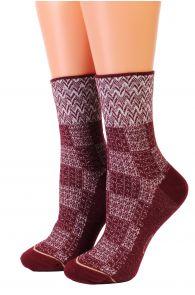 Женские блестящие хлопковые носки бордово-белого цвета с геометрическим рисунком ISIDE от Pierre Mantoux | Sokisahtel