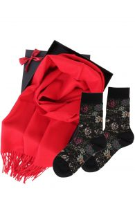 Alpakavillast salli ja MIINA sokkidega kinkekarp naistele | Sokisahtel