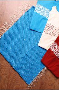 Laulupeo särkidest valmistatud sinine istumisvaip 45 x 52 cm | Sokisahtel