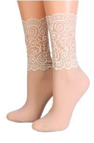 Женские изящные носки бежевого цвета с кружевной отделкой MADLE | Sokisahtel