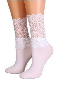 Женские изящные носки белого цвета с кружевной отделкой MADLE | Sokisahtel
