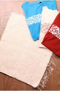 Laulupeo särkidest valmistatud valge istumisvaip 45 x 52 cm | Sokisahtel